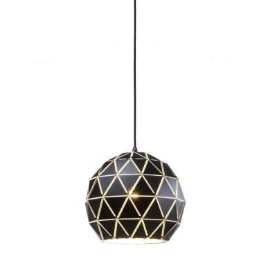 Lámpara colgante negra-oro cuasiesférica estructura triáng.
